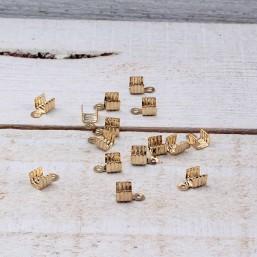 DQ metaal Veterklem 3mm Goudkleur DQ496 Veter-Lintklemmen
