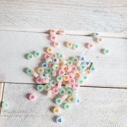 Hartjes Off White Multicolor (verpakt per 20 stuks) HC  Letterkralen plat en rond